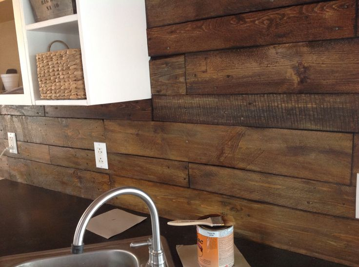 Diy Shellac Pallet Backsplash Diy Kitchen Pallet
