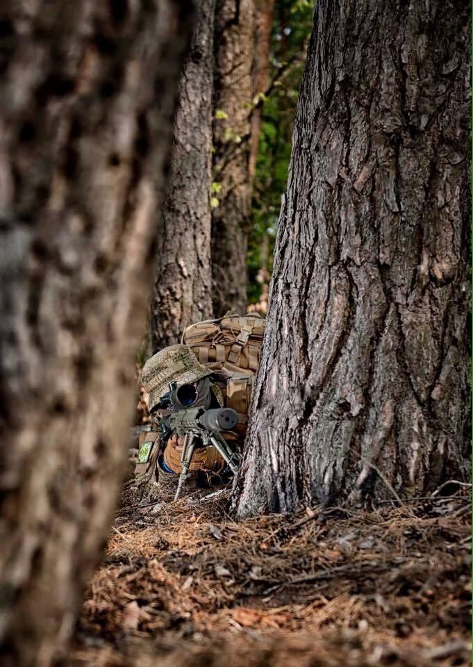 Лідери не народжуються і не створюються будь-ким - вони створюють себе самі. Стівен Кові  Лидеры не рождаются и не делаются кем-либо - они делают себя сами. Стивен Кови  #military #militarylife #militarystyle #camouflage #camouflaged #tactical #militarygear #outdoorgear #alwaysbeready #travelsmart #masteryourmission #armor #security #protection #p1gtac #511tatical #lowaboots