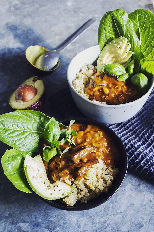 Portabellostroganof med vit quinoa, basilika & timjan / #ÖNSKEINLÄGG / Nödmiddag, middags – & lunchinspiration & veganskt