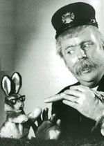 Captain Kangaroo!!!!!  Bunny Rabbit, Mr. Green Jeans, Dancing Bear, Grandfather Clock. Ahhh memories!