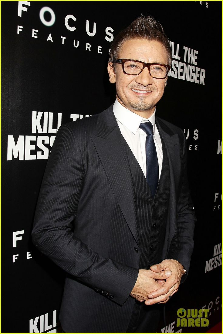 jeremy renner wants movie role where he can sing 23