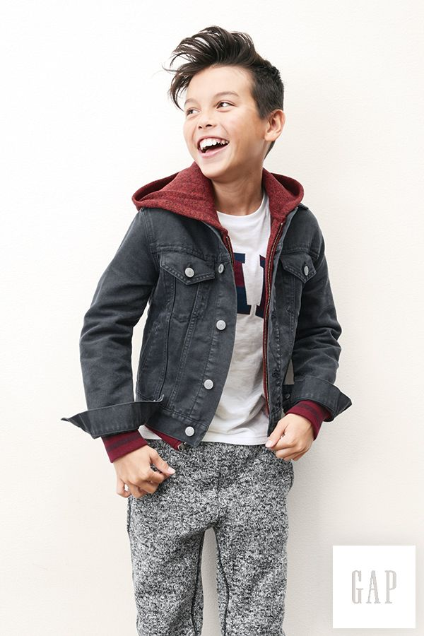 Layers of casual knits, tees, and denim look cool, every which way. Shop our kickback basics at gap.com.