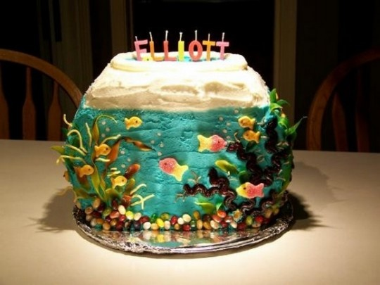 42 best images about yum on pinterest edible bird 39 s for Fish tank cake designs
