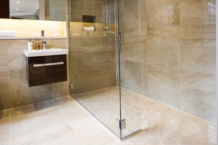 Project 10 - Minoli Tiles - Gotha - A gorgeous marble look tile, Gotha Gold Polished by #Minoli with matt mosaic for the walk-in shower - Floor Tiles: Gotha Gold Lux Lappato 59 x 59 cm. / Shower floor tiles: Gotha Gold Mosaic Matt 30 x 30 cm. / Wall Tiles: Gotha Gold Lux Lappato 59 x 59 cm. - https://www.minoli.co.uk/tiles/gotha-gold/
