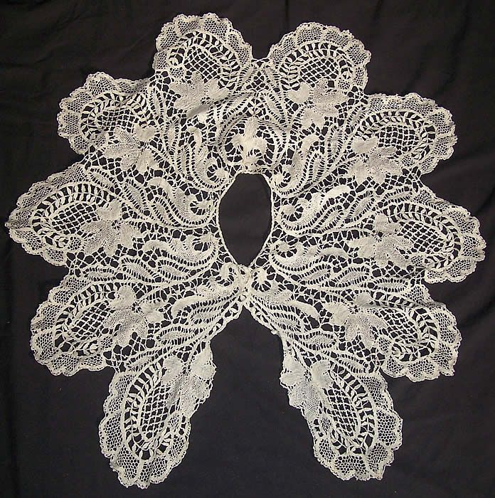 This Victorian era antique white beds maltese bobbin lace collar capelet dates from 1890