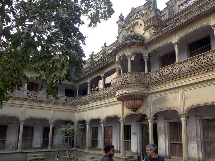 Over a century ago wealthy Hindu merchants built homes such as this in Dhamrai, 40 kilometers northwest of Dhaka, Bangladesh.