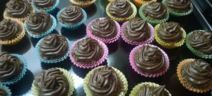 Low Carb Mini Schoko Cup Cake http://www.beste-tipps.de/low-carb-mini-schoko-cupcake/
