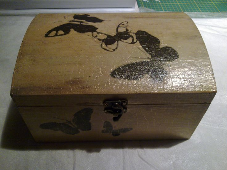 jewelerybox with antique crackle
