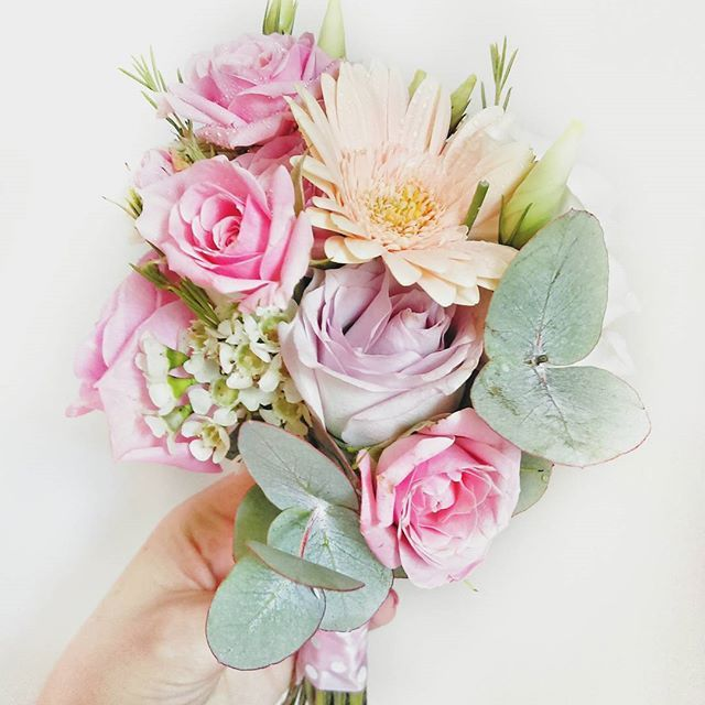 Flowers Follow Blue Daisy for beautiful fresh flowers daily!  #bluedaisy #flowertalking #flowershop #wedding_day #weloveweddings