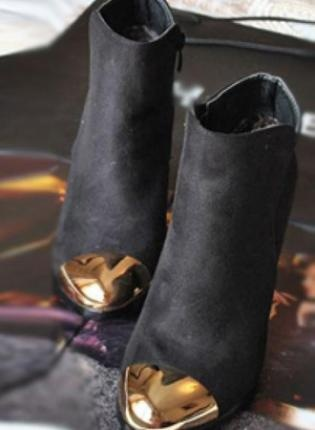 gold tip booties #littleallures