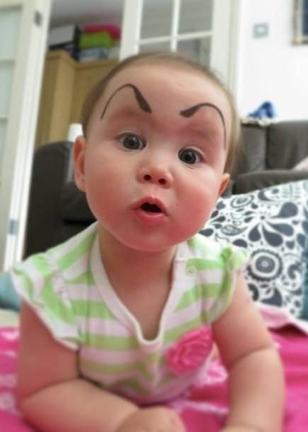 Some moms and dads with a weird sense of humor are putting their tiny humans to good use, by using their lack of eyebrows to fuel the latest Internet trend: #BabyEyebrows.