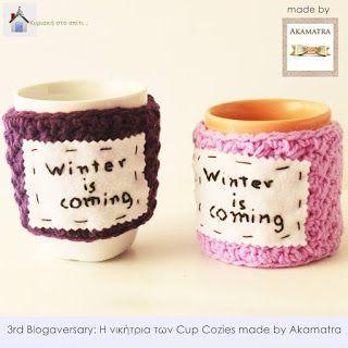 Κυριακή στο σπίτι...: 3rd Blogaversary: Η νικήτρια των Cup Cozies made by Akamatra
