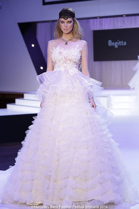 Feel like a pirncess with our crystal necklace #MBFW #crystal #necklace #princess @BegittaBridalCourture  www.redki.com.au