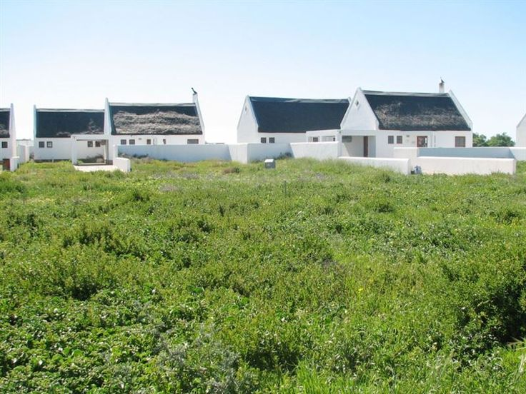 Dwarskers Retreat - Situated in the peaceful seaside suburb of Dwarskersbos in the Western Cape, Dwarskers Retreat offers families and large groups a quiet stay and a relaxing holiday.  This spacious house has three comfortably ... #weekendgetaways #dwarskersbos #southafrica