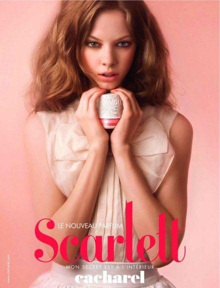 Reklama perfum Cacharel Scarlett | ReklamyPerfum.pl