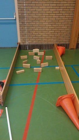 Midgethockey - Een mooie tussenvorm van hockey en midgetgolf.