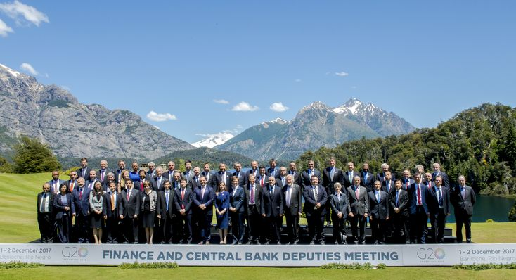 The G20's official agenda of meetings under Argentina's presidency began in Bariloche. In the family photo of the first meeting of finance minister and central bank deputies, representatives from the following countries and organizations took part: G20 members (Argentina, Australia, Brazil, Canada, China, the European Union, Germany, France, India, Indonesia, Italy, Japan, Mexico, Russia, Saudi Arabia, South Africa, South Korea, Turkey, the United Kingdom and the United States); invited…