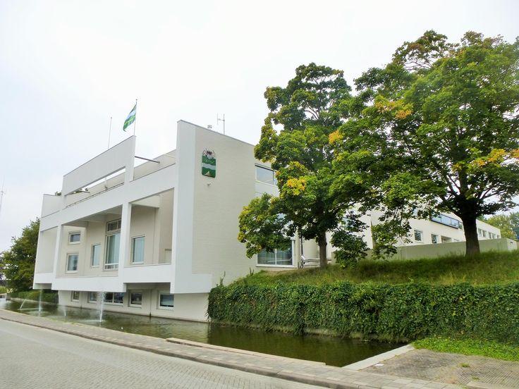 Heatplus heeft voor het gemeentehuis in Soest een Herz biomassa CV installatie van 200 kW geleverd compleet met opstelunit en brandstofvoorraadbunker.