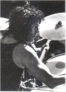 Aynsley Dunbar - one of my favourite dummers, criminally underrated too!