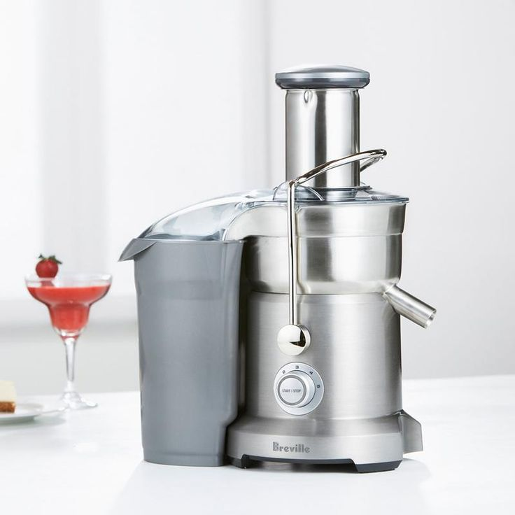 Juice and purée in one machine. This commercial-quality juicer has a second disk that purées soft fruits for 100% fruit smoothies. Gets the most juice out of a wide variety of fruits and vegetables, from delicate berries to crisp apples.