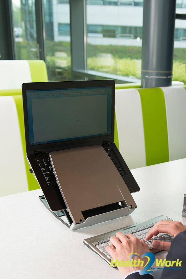 De laptophouder Ergo-Q 330 brengt je laptopscherm op een comfortabele hoogte