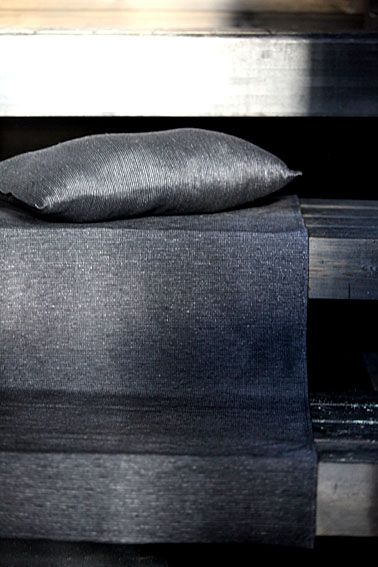Linen bench cover and a sauna pillow, pellavainen laudeliina ja saunatyyny. www.pisadesign.fi