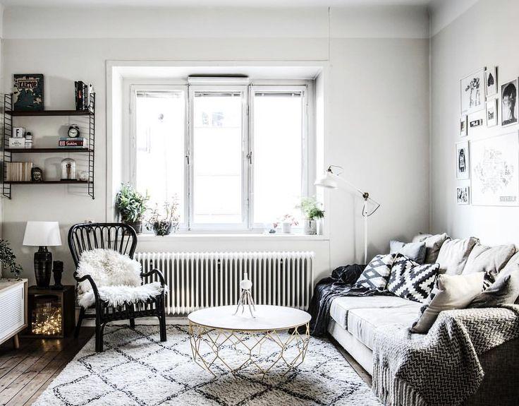 ★ Långholmsg 13A På vån 4 av 4 i gårdshuset finns den här 2:a på 45kvm med balkong.  Ansvarig Mäklare: Olivia Raaé ———————————————————————— #interior #interiordesign #nordiskahem #södermalm #home #realeatate #livingroom #scandinavianhome #interiordecor #interiØr #bedroom #photooftheday #interior4all #interiors #interior123 #design #room #roomforinspo #instahome #skandinaviskehjem #m #interiorforyou #interiordetails #instagood #retro #vintage #homedecore #homesweethome #instaday