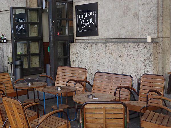 Goldene Bar Terrasse