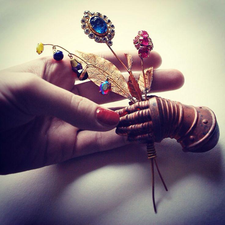 """Broch """"Рука"""". pavlenkojewellery"""