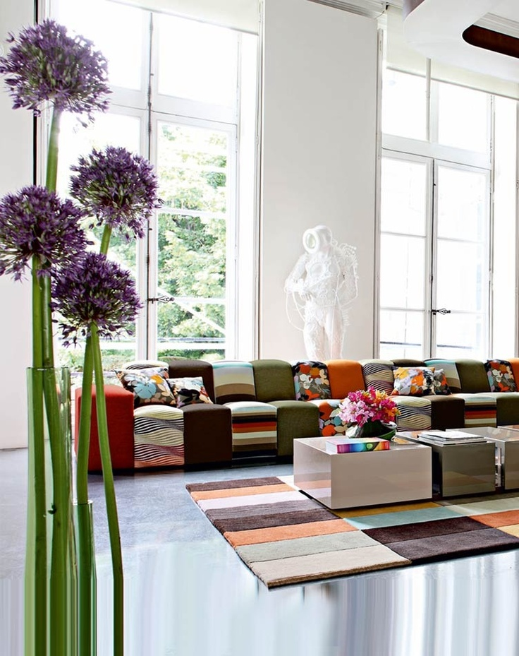 17 best images about roche bobois on pinterest orange sofa jean paul gaultier and floor cushions. Black Bedroom Furniture Sets. Home Design Ideas
