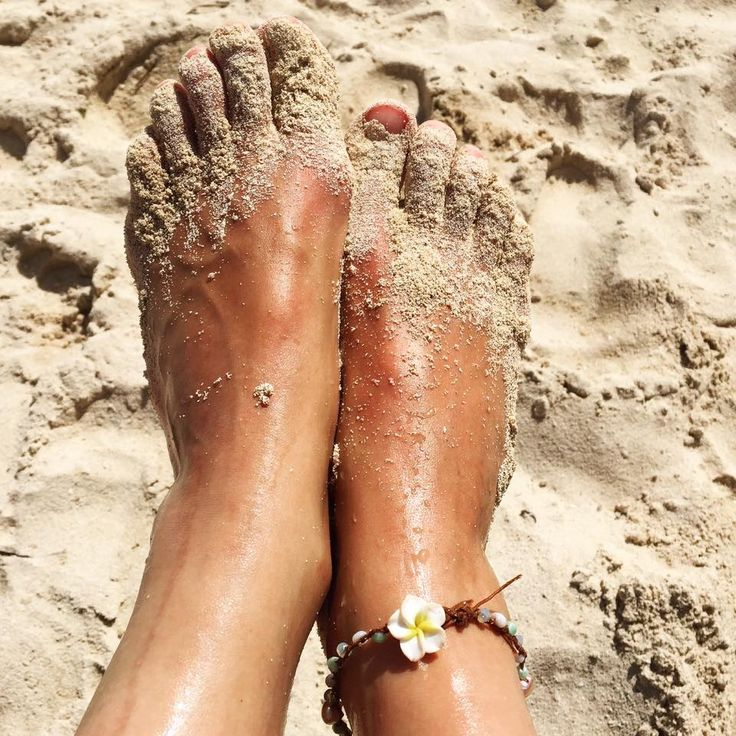Wearing my Lifou anklet on the beach