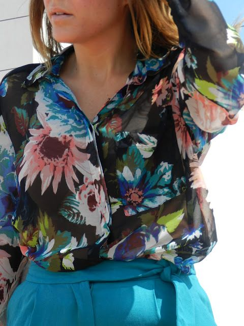 topsFloral Tops, Floral Prints, Summer Outfit, Floral Blouses, Bright Shorts, Shirts Blouses, Painters Floral, Floral Shirts, Shirt Blouses