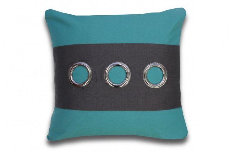 Coussin  dans les tons de turquoise et gris