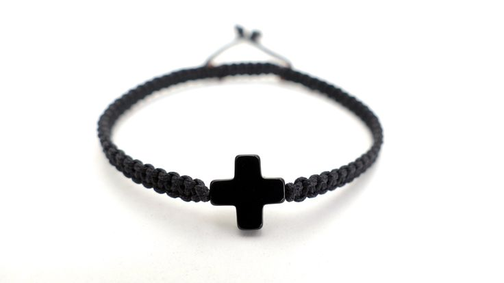 Macrame bracelet with a little Cross from Black Onyx -Price:12€