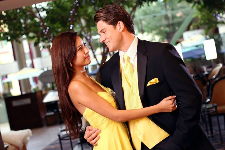 When it comes to prom, or your your groomsmen and bridesmaids, you will want to present coordinating colors. No matter what dress color your lady is wearing, we can match it: http://tuxedojunction.com/location/tuxedo-rental-woodlandhills.html  #wedding #prom #weddingsuit #promsuit #suitrental #tuxedorental #tuxedojunction