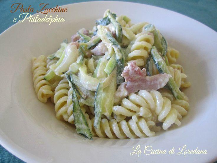 Un'idea semplice e veloce per preparare un primo piatto gustoso e saporito: Pasta Zucchine e philadelphia... giusto il tempo di cuocere la pasta