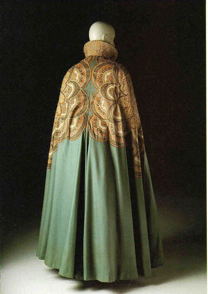 Cloaks Pagan Wicca Witch:  Worth Opera Coat, 1900.  For inspiration.