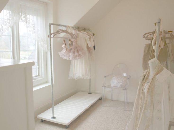 Schauen Sie Sich Diese Kreative Und Interessante Ideen Für Kleiderständer  Design An Und Ordnen Sie Ihre Kleidung Auch Ohne Kleiderschrank Ganz Bequem  Ein.