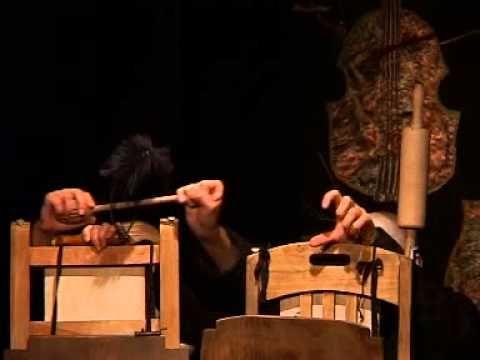"""Kilp: Ampuć czyli zoologia fantastyczna. Teatr Mumerus: gramy """"Ampucia"""" od siedmiu lat. Spektakl zmienia się tak, jak zmieniają się jego wykonawcy - aktorzy, muzyk, oświetleniowiec i dźwiękowiec. Co można sprawdzić w poniedziałek, 25.02 o godz. 19:00, w Teatrze Zależnym, Kraków, Kanonicza 1."""