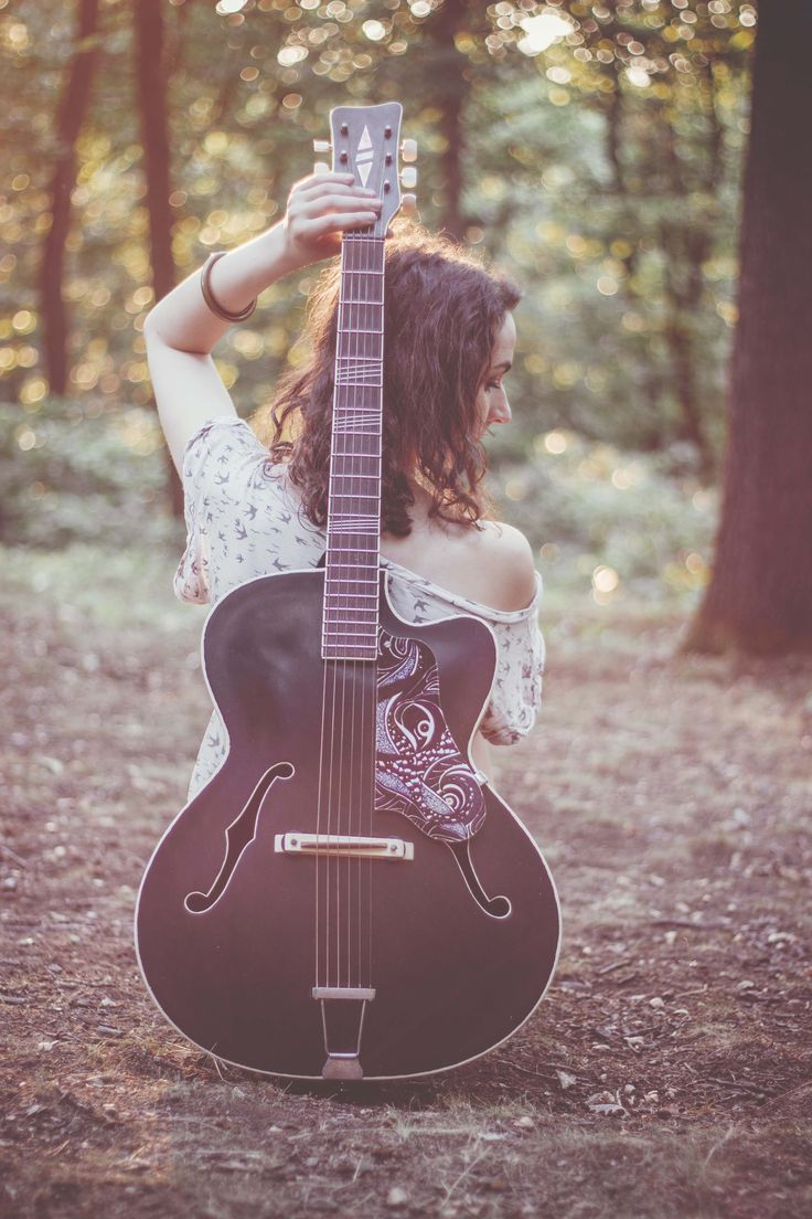 2015 | ospalé léto #inexpertphoto #photography #photo #photoshoot #fotograf #summer #léto #mood #moodphoto #moodphotography #model #photomodel #czechgirl #portrétnífotografie #portrait #kytara #beautiful #mystery #secret #boho #archivnísnímek