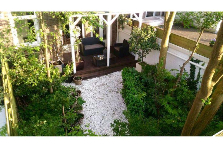 Schitterend 3-kamer appartement (70 m2) met ruime tuin (53 m2) op TOP locatie in het bruisende stadsdeel De Pijp. Parkeren voor de deur. Uitstekend onderhouden appartement met souterrain als extra woonlaag. Aan de voorzijde een geveltuin en vrij uitz