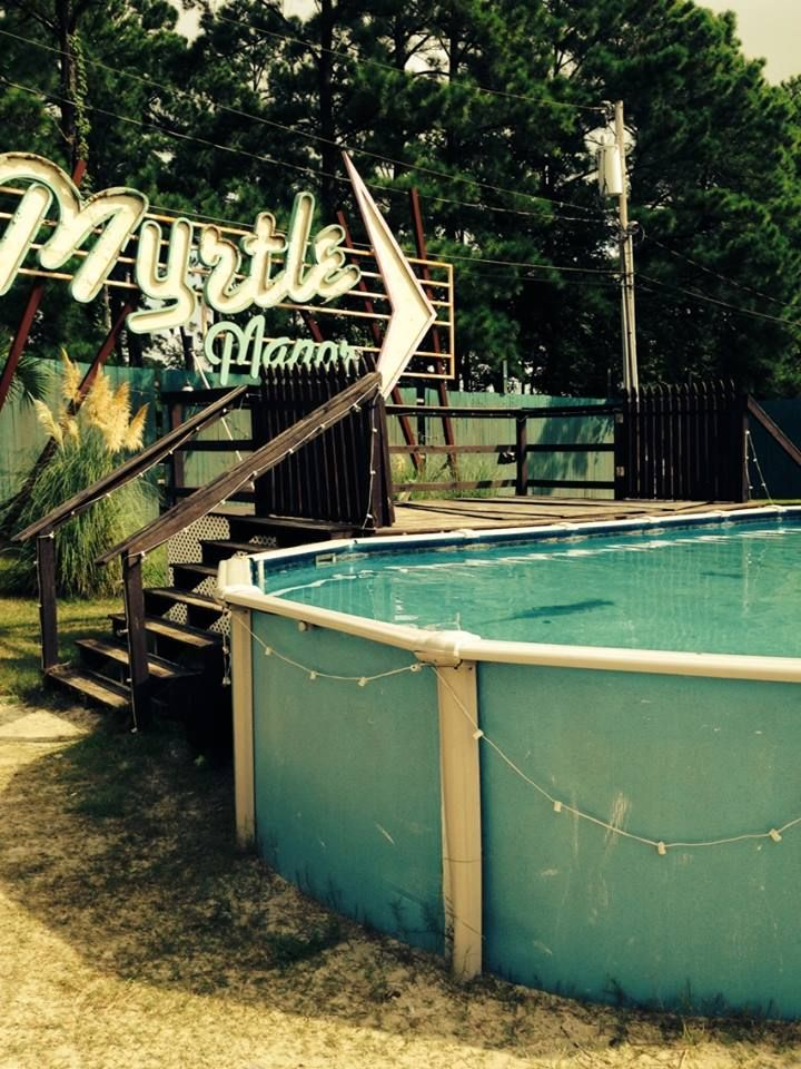 myrtle manor everyone into the pool.