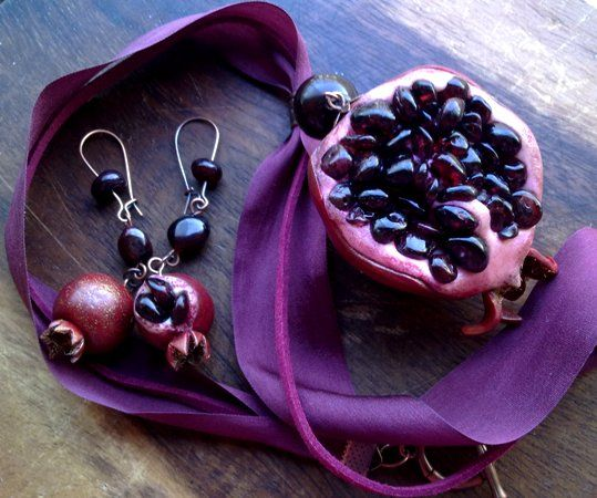POMEGRANATE~Earrings & necklace..ю