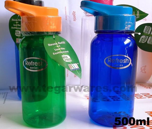 Refresh drinking bottle types by Onyx Design capacity of 500ml Its size is not too large, making it suitable for drinking bottle as a souvenir of the race, or a gift for children.