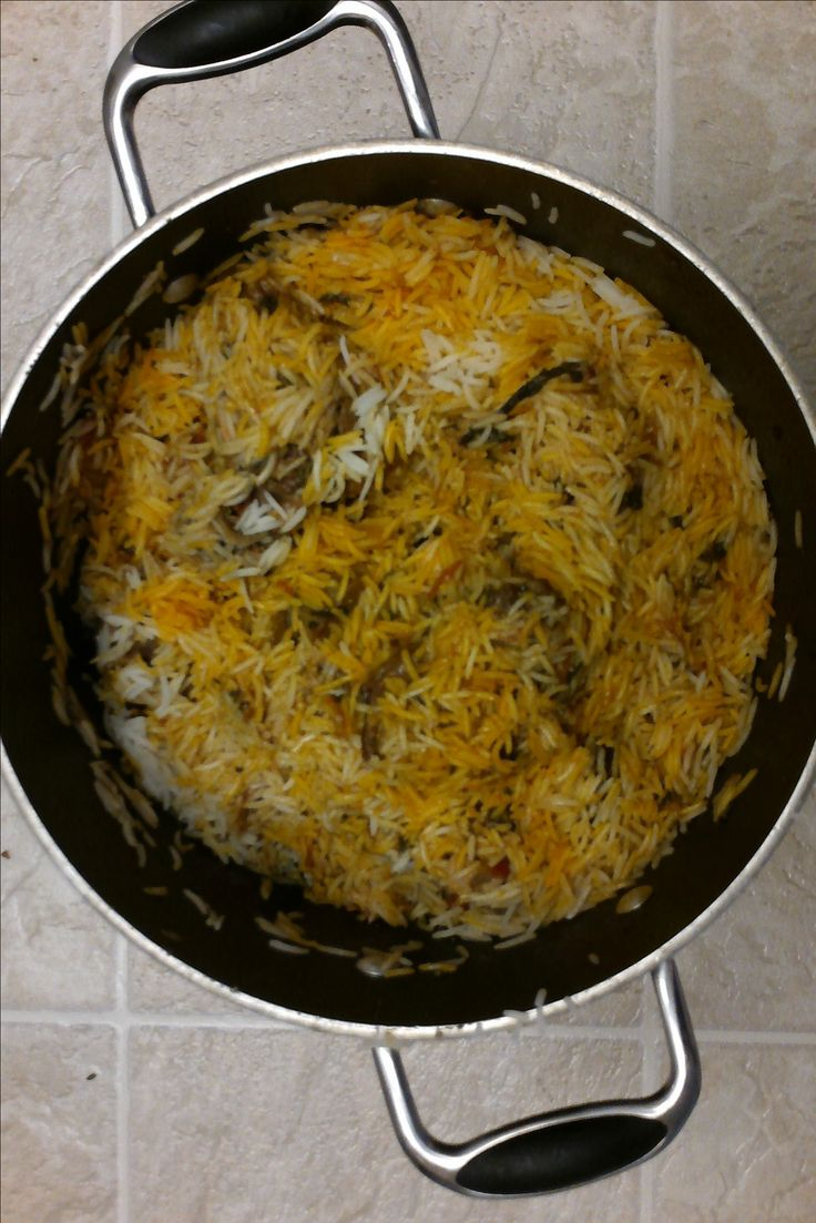 South Indian Muslim Biriyani (or Biryani) comes in many flavors. The biriyani mentioned here is that which is popular in Southern Andhra, Tamil Nadu and Bang...