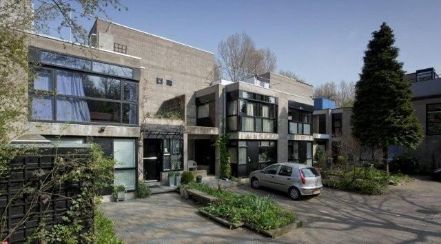 Architectuurgids Delft - gebouwen in delft - 1970-1990 - Geschakelde eengezinswoningen 'Diagoon' - Herman Hertzberger - structuralisme