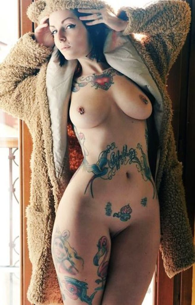Sexy tattoos in nude women-6033