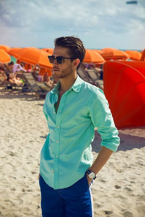 #Men's #Summer #Style - these glasses and shirt color