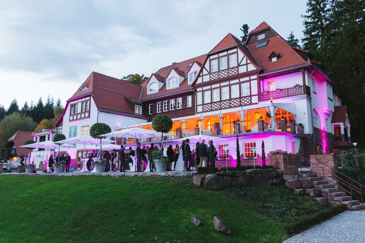 Die #Hochzeitslocation bei Heidelberg: Hoher Darsberg in Neckarsteinach | Foto: Julia Hofmann Fotografie