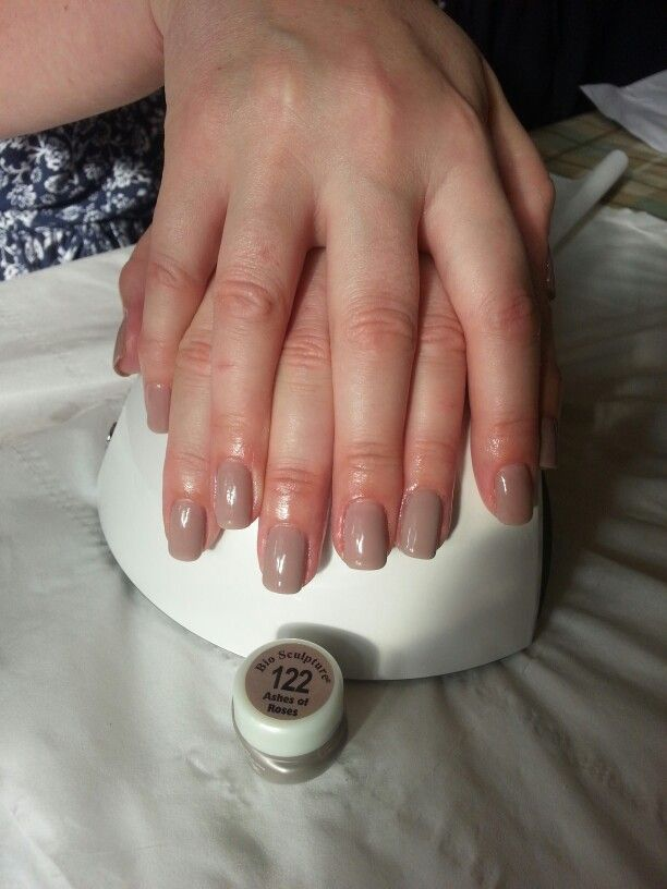 #122 Ashes of roses bio sculpture gel nail overlay
